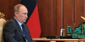 Mit einer Reduktion grenznaher Truppen und dem Appell zu einer Zusammenarbeit zur Schaffung einer neuen Verfassung in der Ukraine setzt Moskau ein Zeichen zur Deeskalation. Gleichzeitig arbeitet der IWF Kreditbedingungen für Kiew aus.