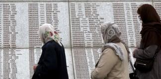 Die niederländische Justiz hat den eigenen Staat dazu verurteilt, Entschädigungen an Angehörige von drei Opfern des Massakers von Srebrenica zu zahlen.