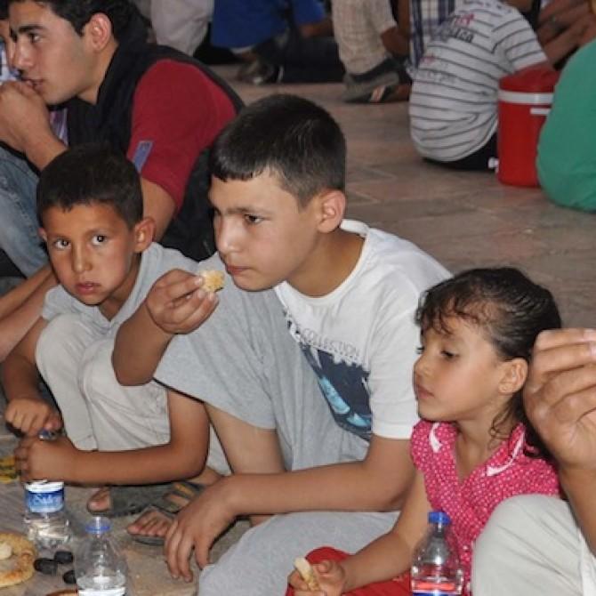 Die Fastenzeit ist voll im Gange und viele von euch haben schon eine ganze Woche Ramadan hinter sich. Gerade die ersten Tage können für Ramadan-Einsteiger noch schwierig sein. Hier 8 Tipps für Fastende.