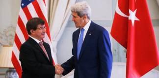Ahmet Davutoglu mit John Kerry