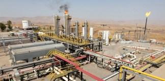 Irak: Bagdad und Arbil haben sich im Streit um die Verwertung der Ölvorkommen nun auf einen Kompromiss geeinigt. Bagdad gibt zurückgehaltenes Geld für die Kurden frei und beide Seiten planen Verhandlungen zur Lösung des Streits. Doch ein Punkt bleibt ungelöst.