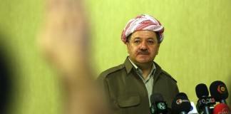 Masoud Barzani beantwortet Fragen von Journalisten in Arbil.