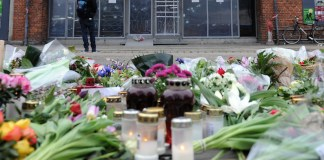 Muslime in Oslo versammeln sich um eine Synagoge und beschützen ihre jüdischen Glaubensbürger.