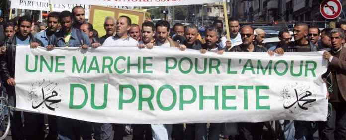 Trotz des Anschlags auf die Satirezeitschrift Charlie Hebdo ist die Sympathie gegenüber Muslimen gestiegen.