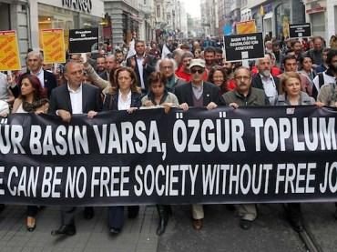 Zwei Sözcü-Journalistenverhaftet