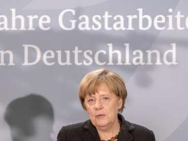 """60 Jahre """"Gastarbeiter"""": Merkel und Özoğuz räumen Fehler ein"""
