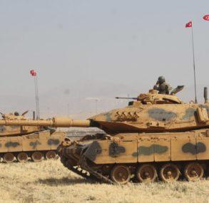 Türkisch-Syrische Grenze: Türkei verstärkt Truppen für Militäreinsatz