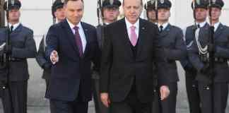 Andrzej Duda (l) empfängt am 17.10.2017 inWarschau (Polen) den türkischen Präsidenten Recep Tayyip Erdogan. Erdogan ist zu einem offiziellen Besuch in Polen.