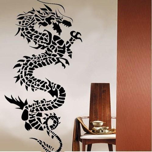 Декор однотонных стен — фото с трафаретами растений и ...