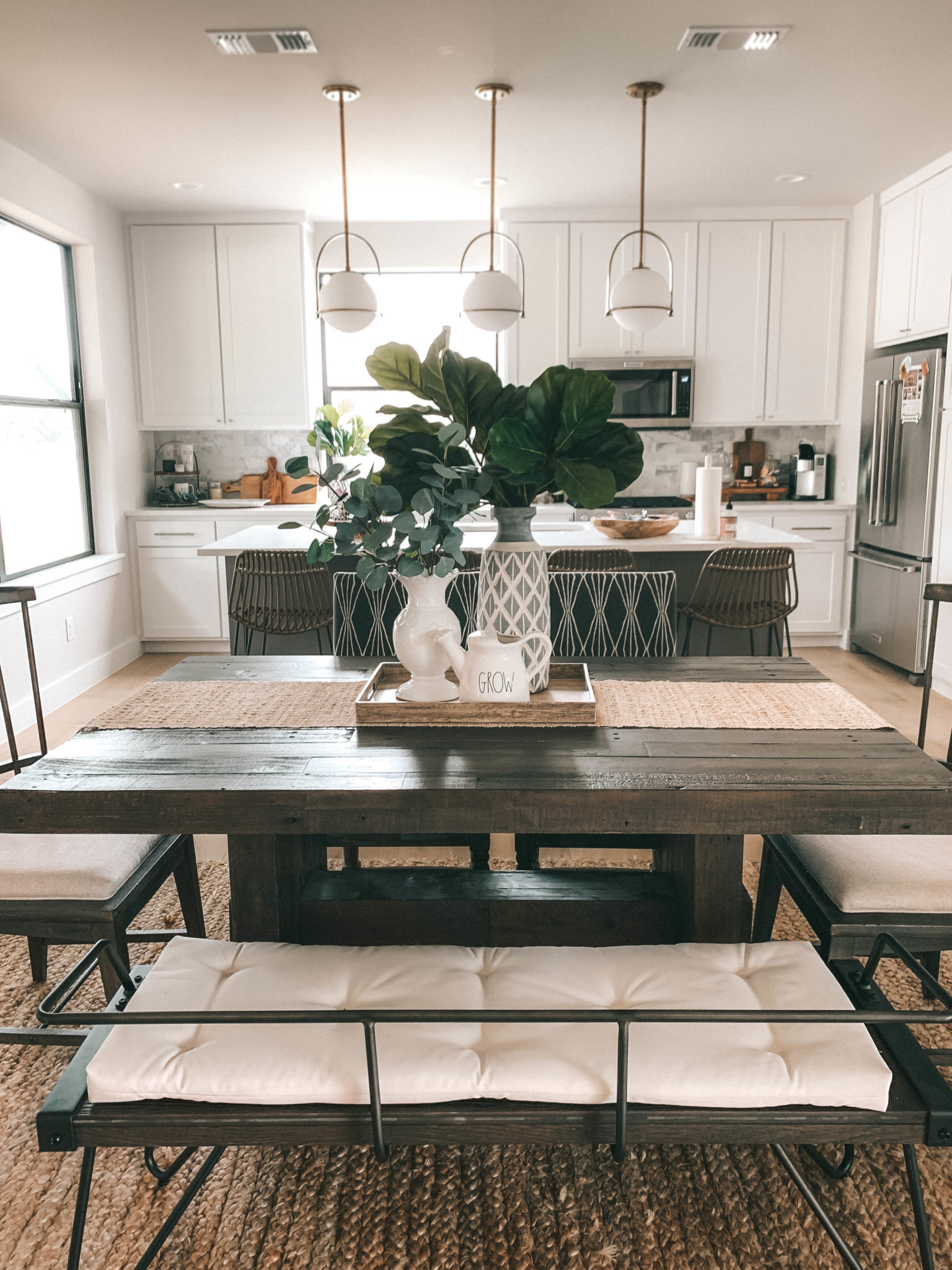 Discover how one reader transformed her kitchen and dining room into a bright gathering place for her family. Summer Dining Room Decorating Ideas | lifestyle | Dressed ...