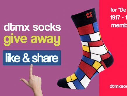 "Mondrian Art Socks Giveaway Contest for ""De Stijl 1917 – 1931"" members"