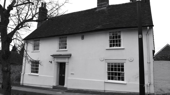 52 Broad St Alresford C17-19