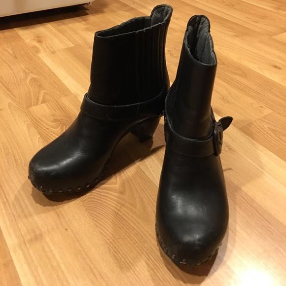 Dansko Shoes Size 35