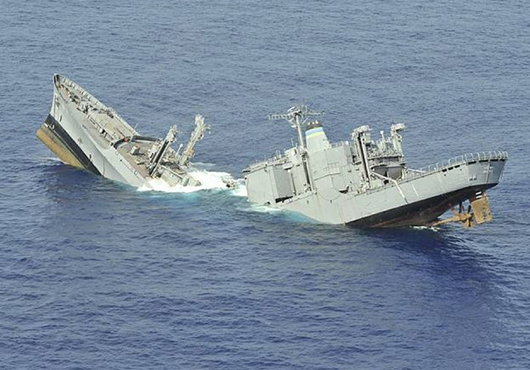 Royal Australian Navy's Submarine Celebrates Successful Sinking at RIMPAC