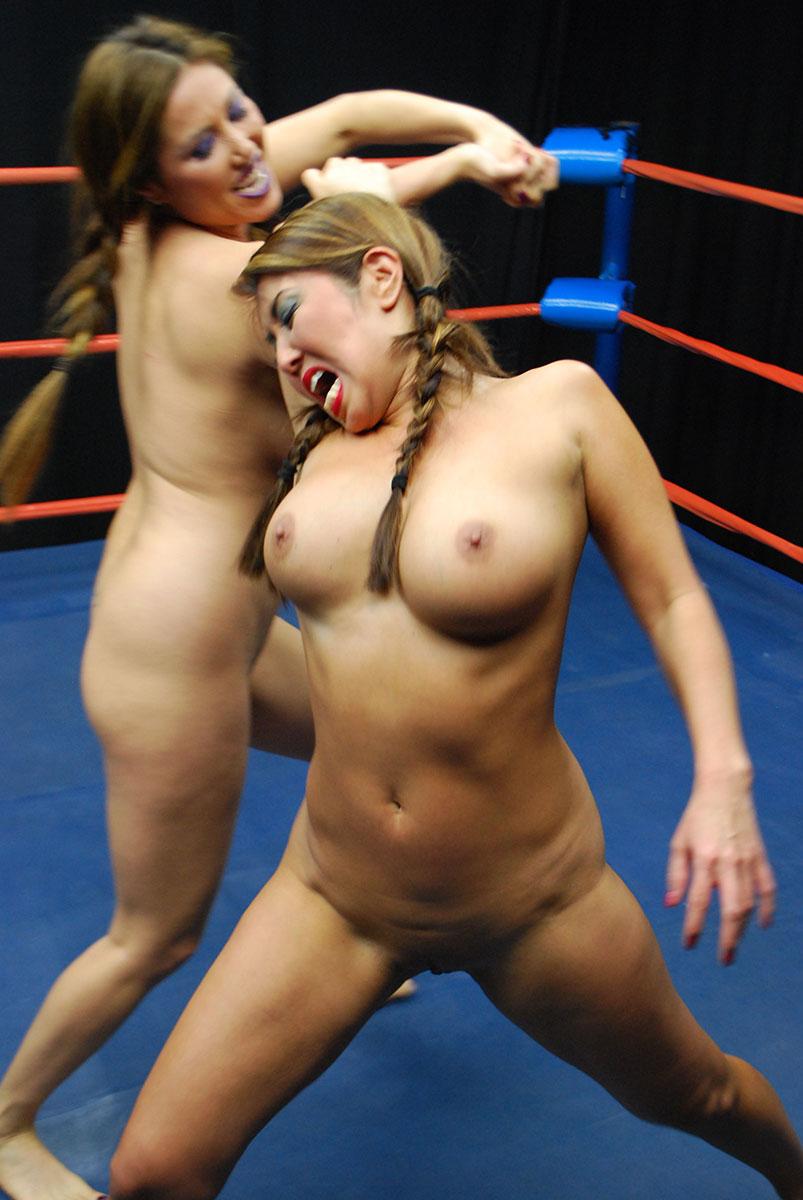 www nude women wrestling