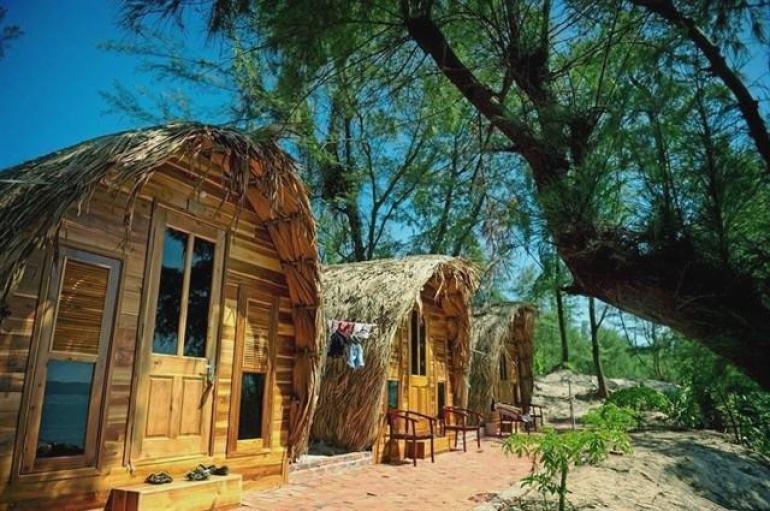 Đi Cô Tô, nhiều người thích ở trong khu nhà gỗ nhưng thực tế nó không hề đẹp