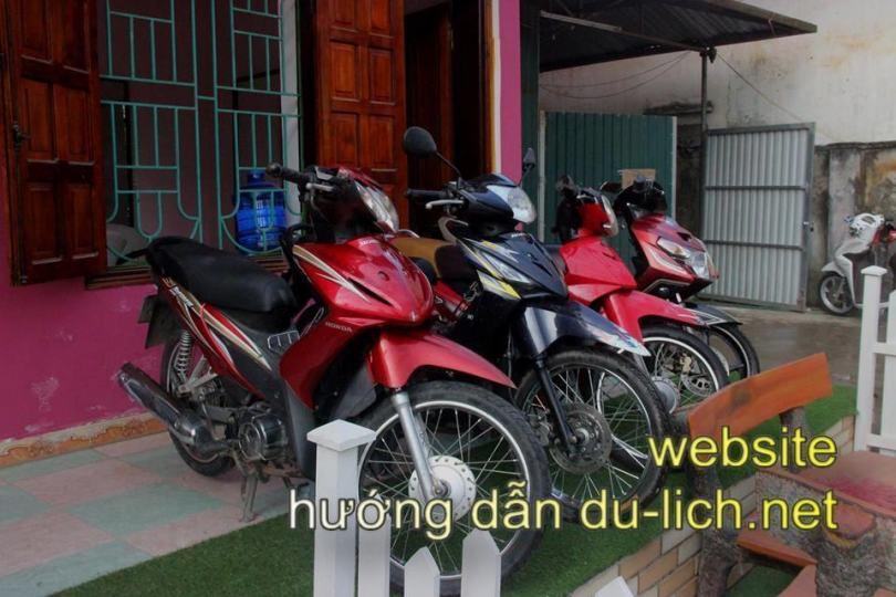 Có rất nhiều chỗ cho thuê xe máy tại Đồng Văn