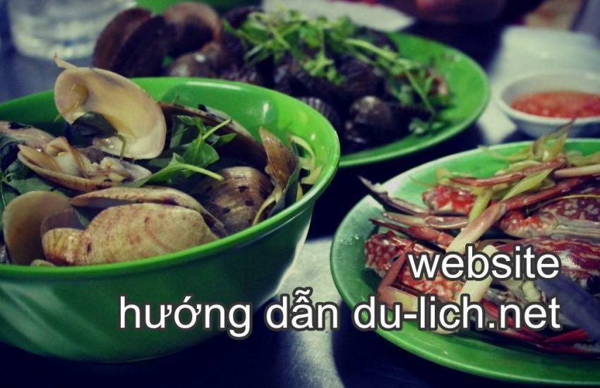 Các món hải sản ở quán Thanh Sương Cầu Đá Vĩnh Nguyên