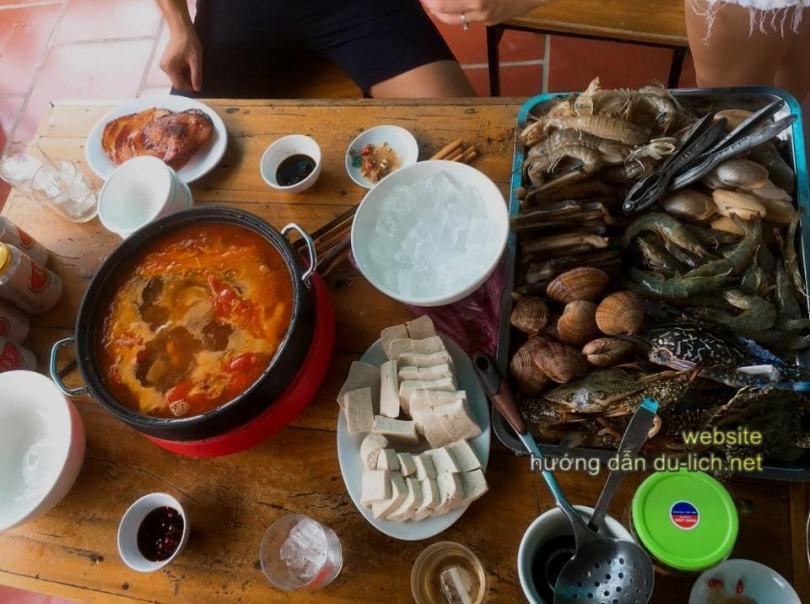 Chi phí đi đảo Cô Tô cho 2 người 3 ngày 2 đêm: ăn uống ít nhiều là tùy nhu cầu của bạn