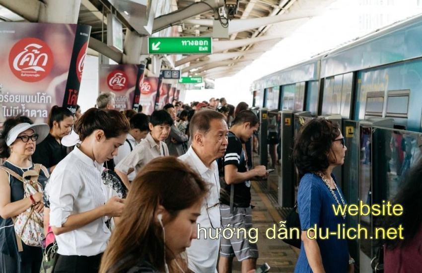 Kinh nghiệm đi BTS ở Bangkok