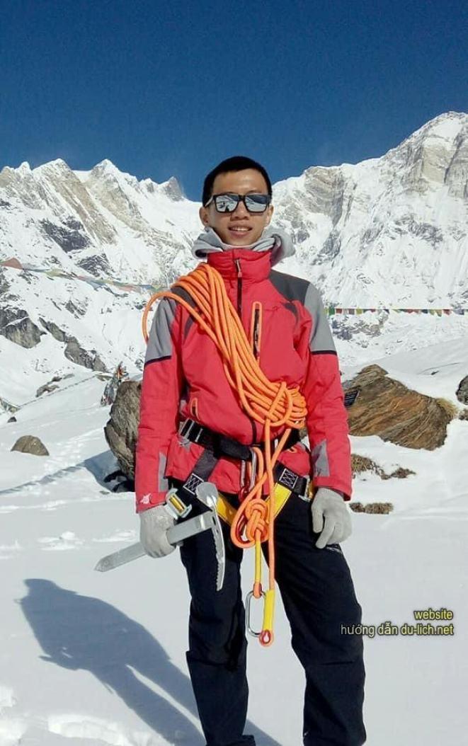 Sẵn sàng mọi thứ gọn nhẹ nhất trên cơ thể để leo núi tuyết
