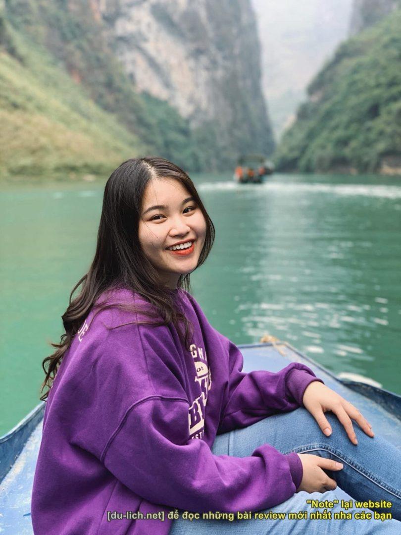 Trên sông Nho Quế. Photo: Nguyễn Thanh Hòa