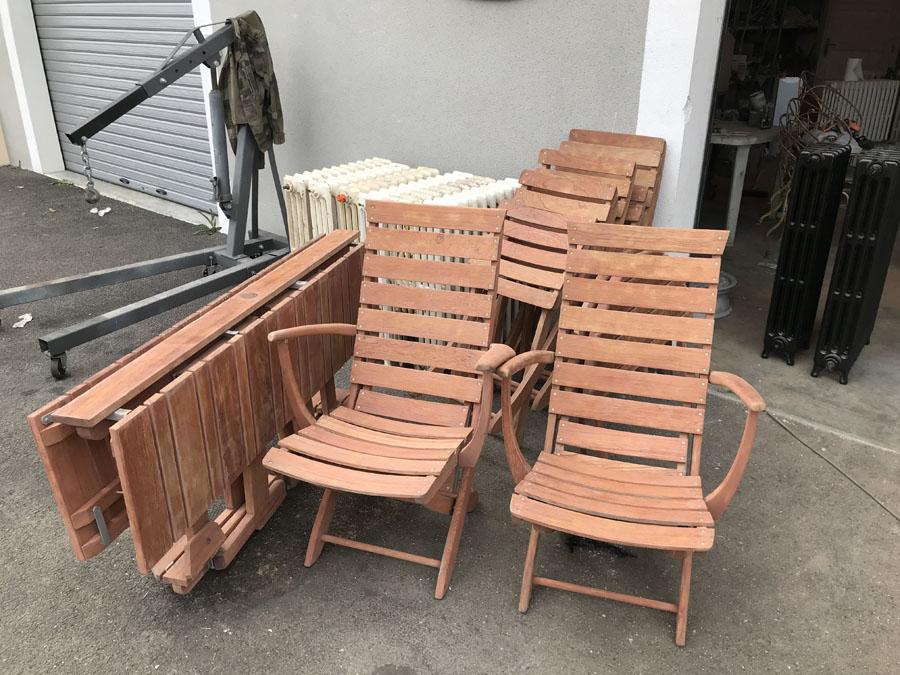 Décapage de meuble en bois : mobilier de jardin