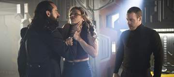 """DC's Legends of Tomorrow --""""River of Time""""-- Image LGN114b_0363b.jpg -- Pictured (L-R): Casper Crump as Vandal Savage, Ciara Renee as Kendra Saunders/Hawkgirl and Falk Hentschel as Hawkman/Carter Hall -- Photo: Diyah Pera/The CW -- © 2016 The CW Network, LLC. All Rights Reserved."""