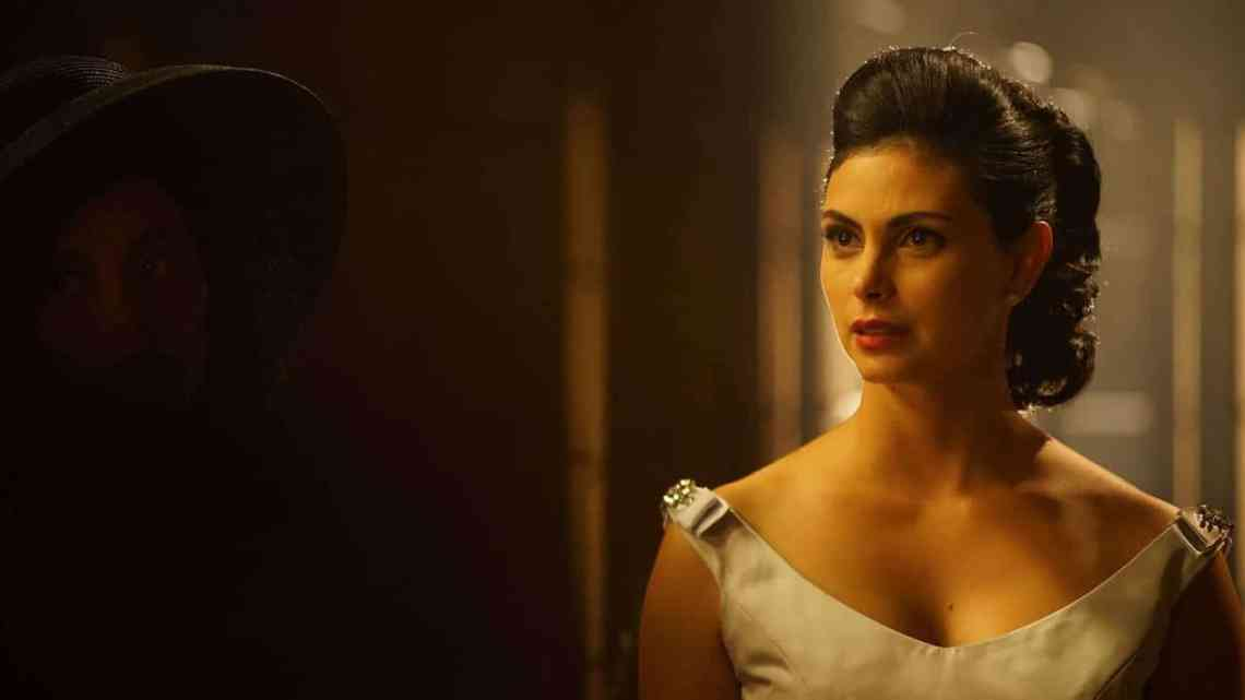 "GOTHAM: Morena Baccarin in the ""Mad City: Time Bomb"" episode of GOTHAM airing Monday, Nov. 21 (8:00-9:01 PM ET/PT) on FOX. Cr: Jeff Neumann/FOX."
