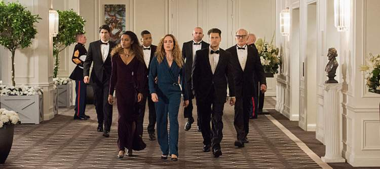 """DC's Legends of Tomorrow --""""Compromised""""-- Image LGN205b_0298.jpg -- Pictured (L-R): Brandon Routh as Ray Palmer/Atom, Maisie Richardson- Sellers as Amaya Jiwe/Vixen, Franz Drameh as Jefferson """"Jax"""" Jackson, Caity Lotz as Sara Lance/White Canary, Dominic Purcell as Mick Rory/Heat Wave, Nick Zano as Nate Heywood and Victor Garber as Professor Martin Stein -- Photo: Dean Buscher/The CW -- © 2016 The CW Network, LLC. All Rights Reserved."""