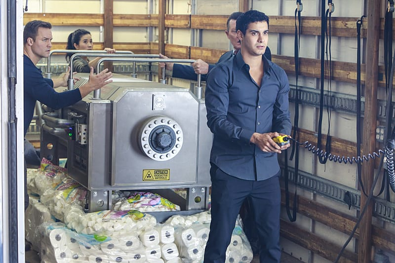 """Mother Load"" -- Paige's estranged mother calls on Team Scorpion when she accidentally uncovers a forgotten nuclear reactor on the verge of exploding, on SCORPION, Monday, Nov. 21 (10:00-11:00 PM, ET/PT), on the CBS Television Network. Pictured: Scott Porter, Elyes Gabel. Photo: Bill Inoshita/CBS ©2016 CBS Broadcasting, Inc. All Rights Reserved"