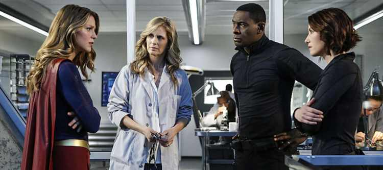 """Supergirl -- """"Medusa"""" -- Image SPG208a_0082 -- Pictured(L-R): Melissa Benoist as Kara/Supergirl, Helen Slater as Eliza Danvers, David Harewood as Hank Henshaw and Chyler Leigh as Alex Danvers -- Photo: Bettina Strauss/The CW -- © 2016 The CW Network, LLC. All Rights Reserved"""