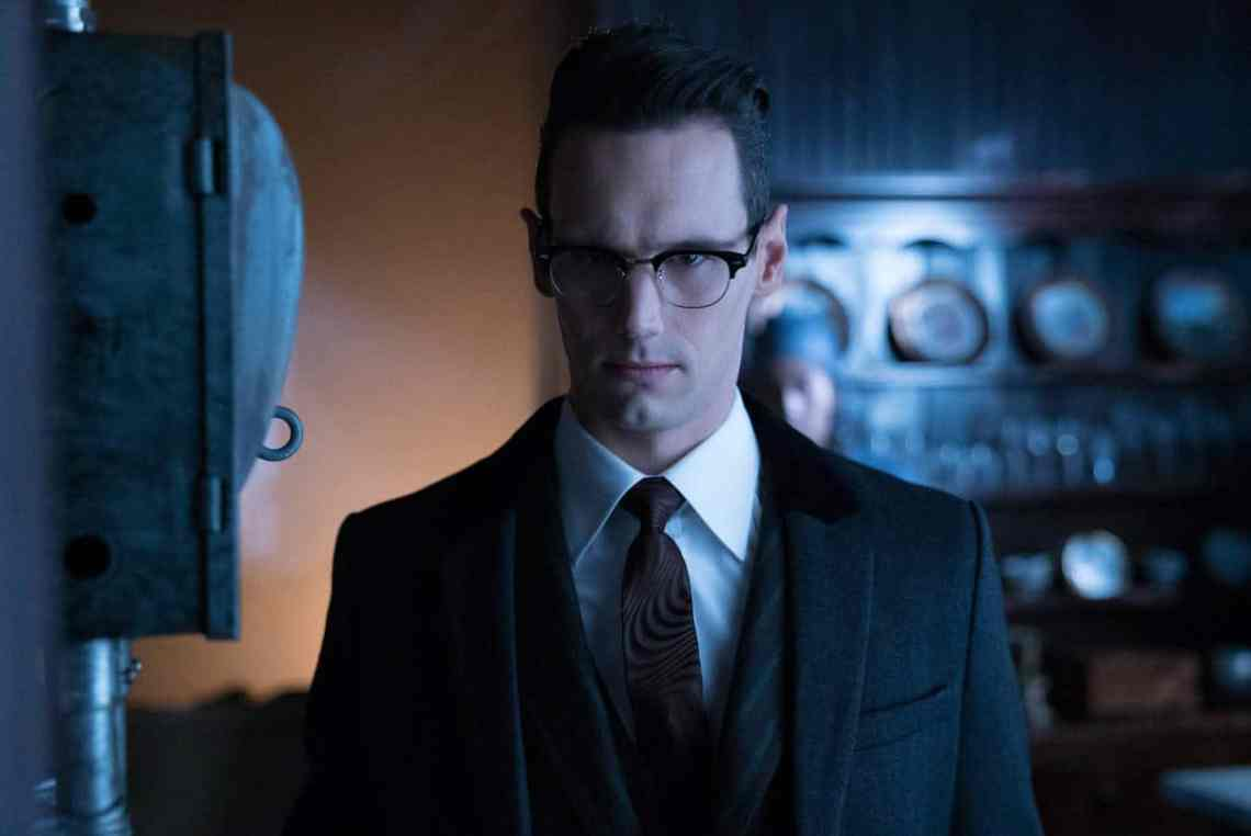 """GOTHAM: Cory Michael Smith in the """"Mad City: Ghosts"""" episode of GOTHAM airing Monday, Jan. 16 (8:00-9:01 PM ET/PT) on FOX. Cr: Jeff Neumann/FOX."""