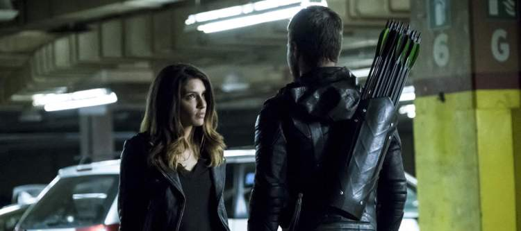"Arrow -- ""Second Chances"" -- Image AR511b_0007b.jpg -- Pictured (L-R): Juliana Harkavy as Tina Boland and Stephen Amell as Oliver Queen -- Photo: Katie Yu/The CW -- © 2017 The CW Network, LLC. All Rights Reserved."