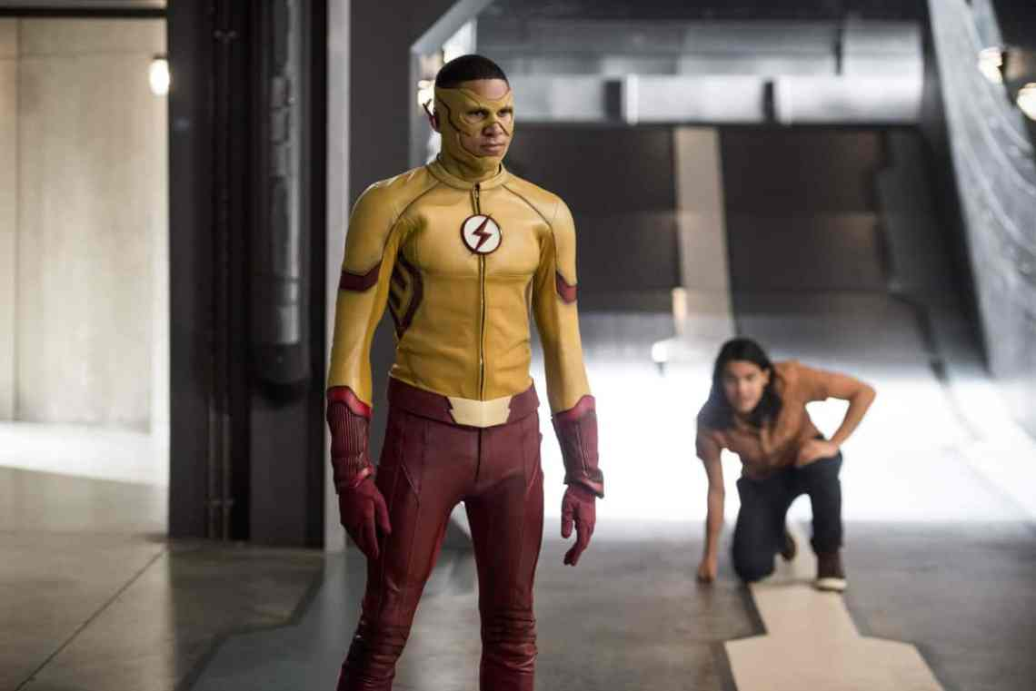 "The Flash -- ""Dead or Alive"" -- Image FLA311b_0175b.jpg -- Pictured (L-R): Keiynan Lonsdale as Kid Flash and Carlos Valdes as Cisco Ramon -- Photo: Diyah Pera/The CW -- © 2017 The CW Network, LLC. All rights reserved."
