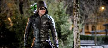 "Arrow -- ""The Sin-Eater"" -- Image AR514b_0182b.jpg -- Pictured: Stephen Amell as Oliver Queen/The Green Arrow -- Photo: Robert Falconer/The CW -- © 2017 The CW Network, LLC. All Rights Reserved."