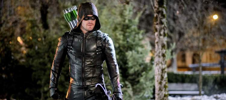 """Arrow -- """"The Sin-Eater"""" -- Image AR514b_0182b.jpg -- Pictured: Stephen Amell as Oliver Queen/The Green Arrow -- Photo: Robert Falconer/The CW -- © 2017 The CW Network, LLC. All Rights Reserved."""