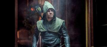 "Arrow -- ""Kapiushon"" -- Image AR517b_0016b.jpg -- Pictured: Stephen Amell as Oliver Queen -- Photo: Robert Falconer/The CW -- © 2017 The CW Network, LLC. All Rights Reserved."