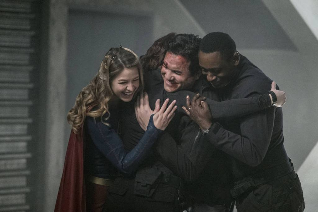 "Supergirl -- ""Homecoming"" -- SPG214b_0024.jpg -- Pictured (L-R): Melissa Benoist as Kara/Supergirl, Chyler Leigh as Alex Danvers, Dean Cain as Jeremiah Danvers, and David Harewood as Hank Henshaw -- Photo: Cate Cameron/The CW -- © 2017 The CW Network, LLC. All Rights Reserved"