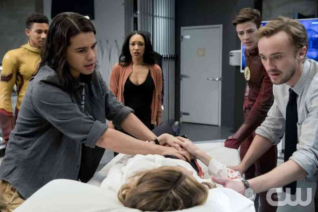 """The Flash -- """"Abra Kadabra"""" -- FLA318c_0117b.jpg -- Pictured (L-R): Keiynan Lonsdale as Wally West, Carlos Valdes as Cisco Ramon, Candice Patton as Iris West, Danielle Panabaker as Caitlin Snow, Grant Gustin as Barry Allen and Tom Felton as Julian Albert -- Photo: Jack Rowand/The CW -- © 2017 The CW Network, LLC. All rights reserved."""