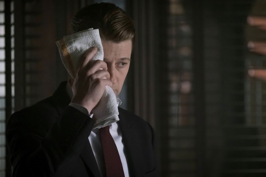"GOTHAM: Ben Mckenzie in the ""Heroes Rise: These Delicate and Dark Obsessions"" episode of GOTHAM airing Monday, May 1 (8:00-9:01 PM ET/PT) on FOX. Cr: Jeff Neumann/FOX"