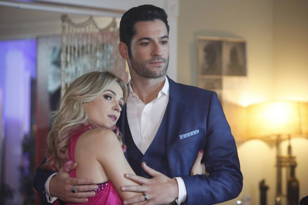 """LUCIFER: L-R: Guest star Lindsey Gort and Tom Ellis in the """"Candy Morningstar"""" spring premiere episode of LUCIFER airing Monday, May 1 (9:01-10:00 PM ET/PT) on FOX. Cr: FOX"""