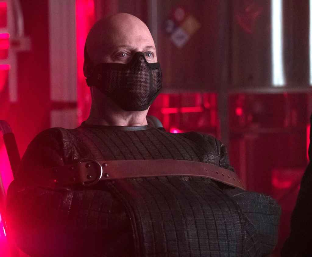 """GOTHAM: Michael Chiklis in the """"Heroes Rise: Light The Wick"""" episode of GOTHAM airing Monday, May 15 (8:00-9:01 PM ET/PT) on FOX. Cr: Jessica Miglio/FOX"""
