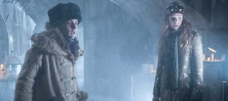 """GOTHAM: L-R: Robin Lord Taylor and Maggie Geha in the """"Heroes Rise: The Primal Riddle"""" episode of GOTHAM airing Monday, May 8 (8:00-9:01 PM ET/PT) on FOX. Cr: Jessica Miglio/FOX"""