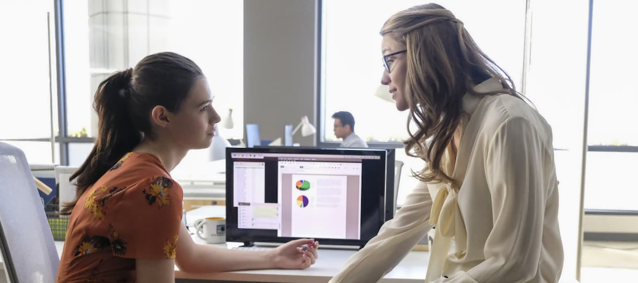 Melissa Benoist and Nicole Maines in Supergirl