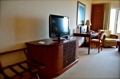 Deluxe room - 32inch LCD TV and DVD Player and workdesk