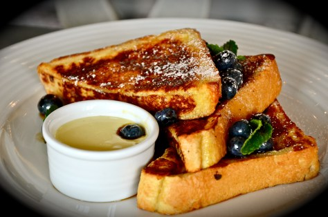 French Toast with blueberries - AED 55