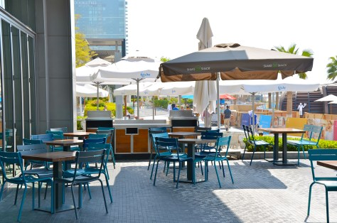 SHAKE SHACK - outside seatings at JBR the WALK