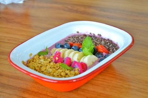 Bowful of acai - AED 35 - Açai berry purée, Greek yoghurt topped with granola, raw cacao and fresh fruits