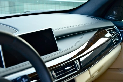 Top-quality leather, refined surfaces
